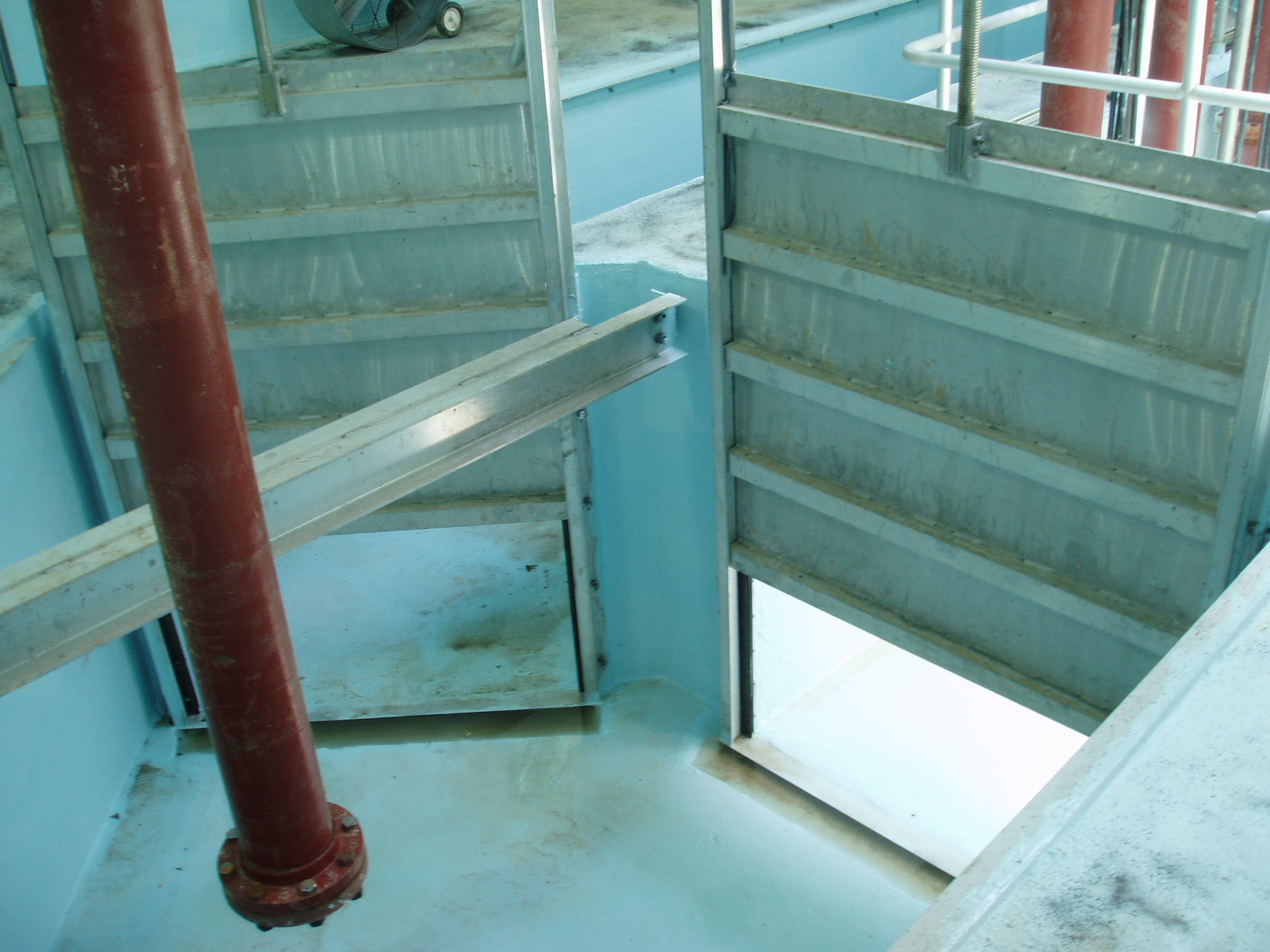 Raven Epoxy applied to sluice gate channels at a wastewater treatment plant.